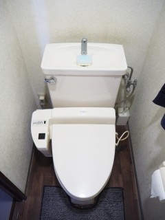 S様邸 トイレ施工前 正面